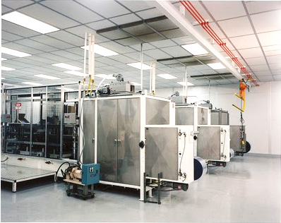 cleanroom enclosure for injection molding