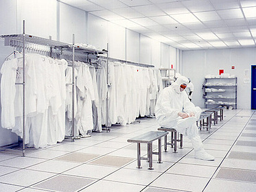 Gowning Area - PortaFab Modular Cleanrooms