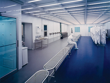 Gowning Room - PortaFab Modular Cleanrooms
